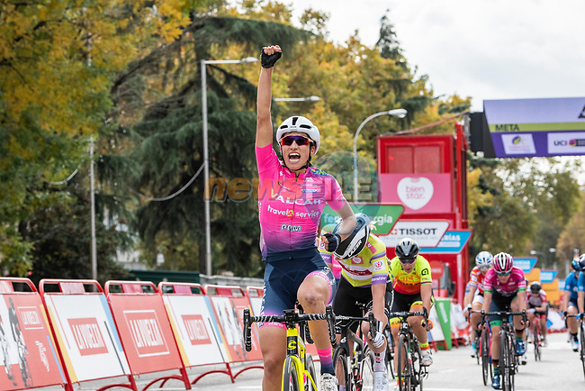 Elisa Balsamo (ITA) Valcar–Travel & Service wins Stage 3 of the CERATIZIT Challenge by La Vuelta 2020, running 98.6km around the streets of Madrid, Spain. 8th November 2020.<br /> Picture: Antonio Baixauli López/BaixauliStudio | Cyclefile<br /> <br /> All photos usage must carry mandatory copyright credit (© Cyclefile | Antonio Baixauli López/BaixauliStudio)