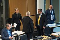 """Plenarsitzung des Berliner Abgeordnetenhaus am Donnerstag den 30. April 2020.<br /> Im Bild: Dieter Neuendorf und Ronald Glaeser, beide Mitglieder der """"Alternative fuer Deutschland""""; Kay Nerstheimer (von hinten) und Andreas Wild, beide fraktionslose Abgeordnete, ehm. Mitglieder der """"Alternative fuer Deutschland""""; Frank Scheermesser, Mitglied der """"Alternative fuer Deutschland"""".<br /> 30.4.2020, Berlin<br /> Copyright: Christian-Ditsch.de<br /> [NUR FUER REDAKTIONELLE ZWECKE! Werbung nur auf Anfrage beim Fotografen. Inhaltsveraendernde Manipulation des Fotos nur nach ausdruecklicher Genehmigung des Fotografen. Vereinbarungen ueber Abtretung von Persoenlichkeitsrechten/Model Release der abgebildeten Person/Personen liegen nicht vor. NO MODEL RELEASE! Don't publish without copyright Christian-Ditsch.de, Veroeffentlichung nur mit Fotografennennung, sowie gegen Honorar, MwSt. und Beleg. Konto: I N G - D i B a, IBAN DE58500105175400192269, BIC INGDDEFFXXX, Kontakt: post@christian-ditsch.de<br /> Bei der Bearbeitung der Dateiinformationen darf die Urheberkennzeichnung in den EXIF- und  IPTC-Daten nicht entfernt werden, diese sind in digitalen Medien nach §95c UrhG rechtlich geschuetzt. Der Urhebervermerk wird gemaess §13 UrhG verlangt.]"""