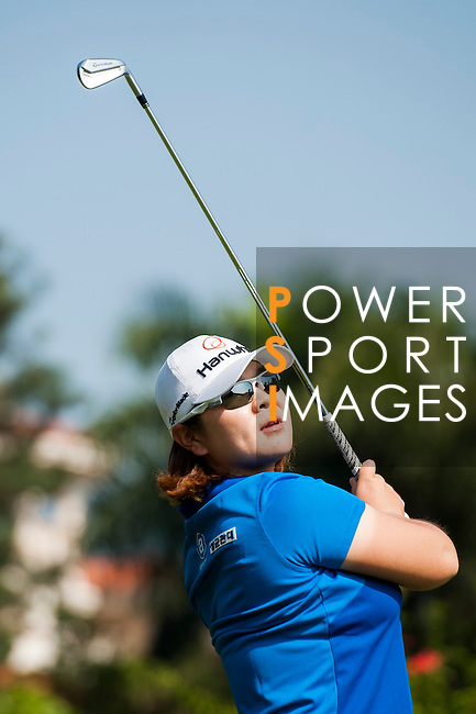 Min-Young Lee of Korea in action during the Hyundai China Ladies Open 2014 at World Cup Course in Mission Hills Shenzhen on December 14 2014, in Shenzhen, China. Photo by Xaume Olleros / Power Sport Images