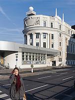 Volksbildungshaus und Sternwarte Urania von 1910 beim Schwedenplatz, Wien Österreich, UNESCO-Weltkulturerbe<br /> Education institution and observatory Urania built 1910 at Schwedenplatz, Vienna, Austria, world heritage