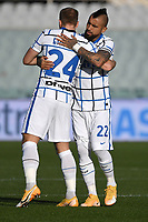 Arturo Vidal of FC Internazionale embraces Stefan de Vrij during the Italy Cup round of 16 football match between ACF Fiorentina and FC Internazionale at Artemio Franchi stadium in Firenze (Italy), January 13th, 2021. Photo Andrea Staccioli / Insidefoto
