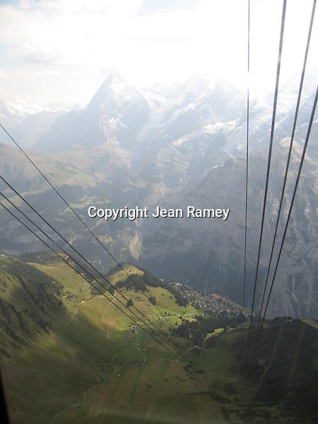 Cable car vista, Swiss Alps