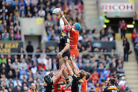 James Haskell of Wasps competes with Graham Kitchener of Leicester Tigers in the lineout