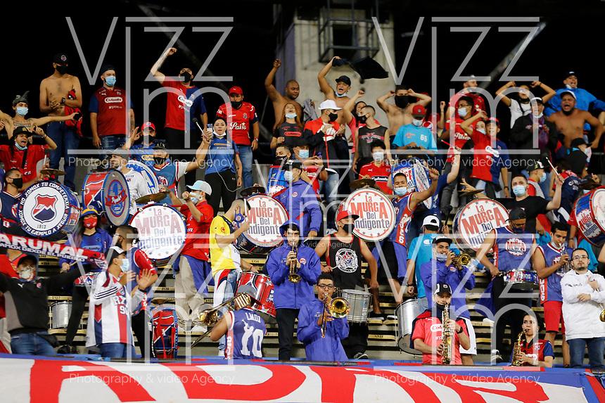 MEDELLIN - COLOMBIA, 16-07-2021: Hinchas del Medellín animan a su equipo durante partido por la fecha 1 entre Deportivo Independiente Medellín y Águilas Doradas Rionegro como parte de la Liga BetPlay DIMAYOR II 2021 jugado en el estadio Atanasio Girardot de la ciudad de Medellín. / Fans of Medellin cheer for their team during Match for the date 1 between Deportivo Independiente Medellin and Aguilas Doradas Rionegro as part of the BetPlay DIMAYOR League II 2021 played at Atanasio Girardot stadium in Medellin city. Photo: VizzorImage / Donaldo Zuluaga / Cont