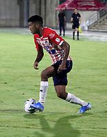 BARRANQUILLA-COLOMBIA, 07-10-2020: Cristian Tovar de Atletico Junior, en accion durante partido entre Atletico Junior y Deportivo Pasto, de la fecha 12 por la Liga BetPlay DIMAYOR 2020-I jugado en el estadio Romelio Martinez de la ciudad de Barranquilla. / Cristian Tovar of Atletico Junior, in action during a match between Atletico Junior and Deportivo Pasto of the 12th date for the BetPlay DIMAYOR Leguaje 2020-I played at the Romelio Martinez Stadium in Barranquilla city. / Photo: VizzorImage / Jairo Cassiani / Cont.