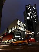 Campus Uni Leipzi Mensa Bibliothek Uniriese Cityhochhaus . Foto: Norman Rembarz..Norman Rembarz , ( ASV-Autorennummer 41043728 ), Holbeinstr. 14, 04229 Leipzig, Tel.: 01794887569, Hypovereinsbank: BLZ: 86020086, KN: 357889472, St.Nr.: 231/261/06432 - Jegliche kommerzielle Nutzung ist honorar- und mehrwertsteuerpflichtig! Persönlichkeitsrechte sind zu wahren. Es wird keine Haftung übernommen bei Verletzung von Rechten Dritter. Autoren-Nennung gem. §13 UrhGes. wird verlangt. Weitergabe an Dritte nur nach  vorheriger Absprache..