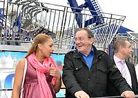 Estelle MOSSELY (enceinte), Jean-Pierre PERNAUT (parrain de la fete des loges) - INAUGURATION FETE DES LOGES SAINT-GERMAIN-EN-LAYE - 01/07/2017 - France
