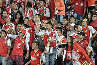 BOGOTÁ -COLOMBIA, 19-07-2015. Hinchas de Independiente Santa Fe, animan a su equipo durante partido entre Independiente Santa Fe y Cucuta Deportivo por la fecha 2 de la Liga Aguila II 2015 jugado en el estadio Nemesio Camacho El Campin de la ciudad de Bogota.  / Fans of Independiente Santa Fe cheer for their team during a match between Independiente Santa Fe and Cucuta Deportivo for the second date of the Liga Aguila II 2015 played at the Nemesio Camacho El Campin Stadium in Bogota city. Photo: VizzorImage / Gabriel Aponte / Staff.