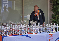 Hilversum, Netherlands, August 13, 2016, National Junior Championships, NJK, Game controle is getting the trophy's ready for prizegivving Hans <br /> Photo: Tennisimages/Henk Koster