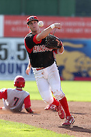 Batavia Muckdogs second baseman Colin Walsh (6) during a game vs the Williamsport Crosscutters at Dwyer Stadium in Batavia, New York July 25, 2010.   Batavia defeated Williamsport 8-1.  Photo By Mike Janes/Four Seam Images