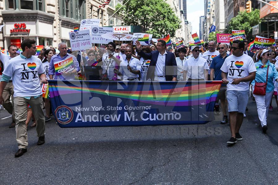 NEW YORK, EUA, 25.06.2017 - PARADA-NEW YORK - Governador de New York, Andrew Cuomo durante a Parada do Orgulho LGBT na cidade de New York nos Estados Unidos neste domingo, 25. (Foto: Vanessa Carvalho/Brazil Photo Press)
