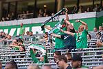 19.09.2020, wohninvest Weserstadion, Bremen, GER,  SV Werder Bremen vs Hertha BSC Berlin, <br /> <br /> <br />  im Bild<br /> <br /> Zuschauer brauchten auf den Sitzplaetzen auf der Tribune keine MAsken tragen Alltagsmasken (Mund-Nasen-Bedeckung). <br /> singen das Werder Lied und halten den Werder Schal hoch<br /> <br /> <br /> Foto © nordphoto / Kokenge<br /> <br /> DFL regulations prohibit any use of photographs as image sequences and/or quasi-video.