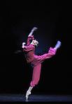 HONGWEI Dai - National ballet of China - Détachement féminin rouge