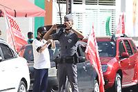 Campinas (SP), 01/05/2021 - Trabalho-SP - Manifestantes realizam uma carreata e bicicletada no centro de Campinas, interior de São Paulo, neste sábado (01) em comemoração ao dia do trabalho. O ato também pedia mais vacina e a saída do presidente Jair Bolsonaro.