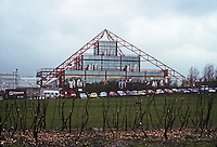 Milton Keynes: The Point, an entertainment complex opened in 1985 with first multiplex cinema.  Ziggurat-form structure with red neon lights looked like a pyramid at night. Photo '90.