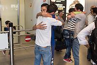 Fluechtlinspaten Syrien e.V. in Berlin.<br /> Empfang der Mutter und Brueder von Majd am Flughafen Tegel.<br /> Im Bild: Der 21jaehrige Majd aus Syrien (Rechts mit beigem Hemd) umarmt seinen geretteten kleinen Bruder.<br /> Links mit weissem Hemd: Der Cousin von Majd umarmt einen der geretteten Brueder.<br /> 17.6.2015, Berlin<br /> Copyright: Christian-Ditsch.de<br /> [Inhaltsveraendernde Manipulation des Fotos nur nach ausdruecklicher Genehmigung des Fotografen. Vereinbarungen ueber Abtretung von Persoenlichkeitsrechten/Model Release der abgebildeten Person/Personen liegen nicht vor. NO MODEL RELEASE! Nur fuer Redaktionelle Zwecke. Don't publish without copyright Christian-Ditsch.de, Veroeffentlichung nur mit Fotografennennung, sowie gegen Honorar, MwSt. und Beleg. Konto: I N G - D i B a, IBAN DE58500105175400192269, BIC INGDDEFFXXX, Kontakt: post@christian-ditsch.de<br /> Bei der Bearbeitung der Dateiinformationen darf die Urheberkennzeichnung in den EXIF- und  IPTC-Daten nicht entfernt werden, diese sind in digitalen Medien nach §95c UrhG rechtlich geschuetzt. Der Urhebervermerk wird gemaess §13 UrhG verlangt.]