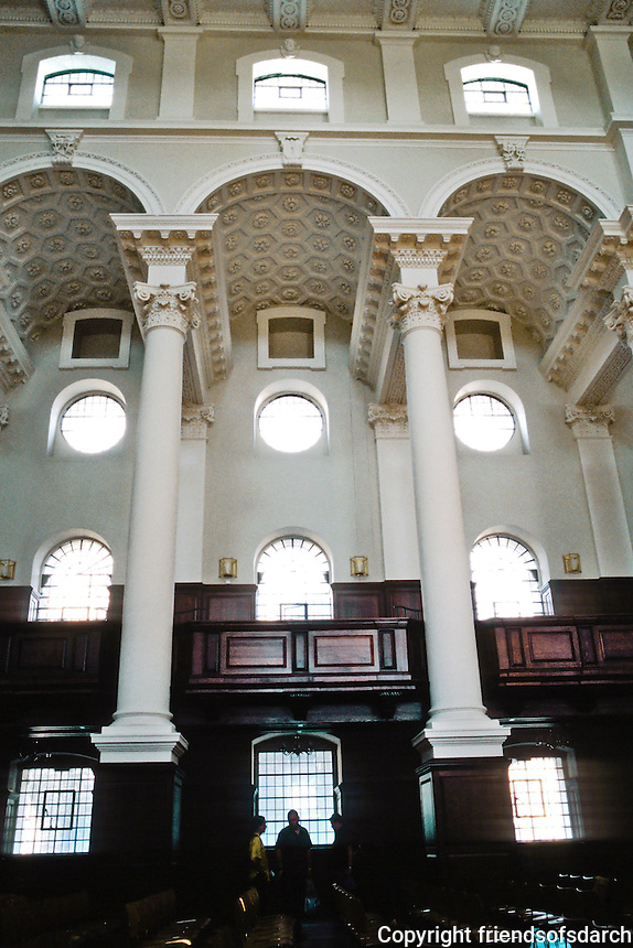 Nicholas Hawksmoor: Christ Church, Spitafields. South elevation of nave. Photo '05.