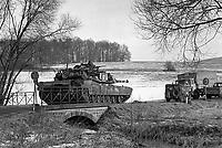 - NATO exercises in Germany, M1 Abrams US Army tank (January 1985)<br /> <br /> - esercitazioni NATO in Germania, carro armato M1 Abrams dell'US Army (Gennaio 1985)