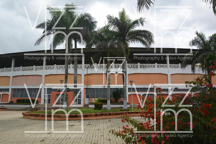 BARRANQUILLA - COLOMBIA, 15-11-2016: Inicio de las obras de remodelación del Estadio Romelio Martinez de la ciudad de Barranquilla. El estadio Romelio Martínez es un estadio deportivo ubicado en la calle 72 y la Avenida 46 en la ciudad colombiana de Barranquilla. Tiene una capacidad de 20,000 espectadores y tiene el nombre del famoso atleta de Barranquilla en las décadas de 1930 y 1940. / Start o the works of the remodeling of the Romelio Martinez stadium in Barranquilla city. Romelio Martínez Stadium, is a sports stadium located at 72 street and 46 Avenue in the Colombian city of Barranquilla. It has a capacity of 20,000 spectators and have the name of the famous athlete from Barranquilla in the decades of the 1930 and 1940. Photo: VizzorImage / Alfonso Cervantes / Cont