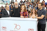 Jean-Louis TRINTIGNANT, Michael HANEKE, Isabelle HUPPERT, Fantine HARDUIN et Mathieu KASSOVITZ en photocall pour le film HAPPY END lors du soixante-dixième (70ème) Festival du Film à Cannes, Palais des Festivals et des Congres, Cannes, Sud de la France, lundi 22 mai 2017. Philippe FARJON / VISUAL Press Agency