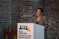 """Veranstaltung """"50 Jahre Entwicklungshelfer-Gesetz – 'Die Welt im Gepaeck'"""" am Freitag den 12. Juli 2019 in der Berliner St. Elisabethkirche.<br /> Als Gast war die Bundeskanzlerin Angela Merkel geladen.<br /> Den Ehrentag fuer zurueckgekehrte Entwicklungshilfe-Fachkraefte veranstalten die Gemeinsame Konferenz Kirche und Entwicklung (GKKE) und die Arbeitsgemeinschaft der Entwicklungsdienste (AGdD).<br /> Im Bild: Judith Ohene, AGdD.<br /> 12.7.2019, Berlin<br /> Copyright: Christian-Ditsch.de<br /> [Inhaltsveraendernde Manipulation des Fotos nur nach ausdruecklicher Genehmigung des Fotografen. Vereinbarungen ueber Abtretung von Persoenlichkeitsrechten/Model Release der abgebildeten Person/Personen liegen nicht vor. NO MODEL RELEASE! Nur fuer Redaktionelle Zwecke. Don't publish without copyright Christian-Ditsch.de, Veroeffentlichung nur mit Fotografennennung, sowie gegen Honorar, MwSt. und Beleg. Konto: I N G - D i B a, IBAN DE58500105175400192269, BIC INGDDEFFXXX, Kontakt: post@christian-ditsch.de<br /> Bei der Bearbeitung der Dateiinformationen darf die Urheberkennzeichnung in den EXIF- und  IPTC-Daten nicht entfernt werden, diese sind in digitalen Medien nach §95c UrhG rechtlich geschuetzt. Der Urhebervermerk wird gemaess §13 UrhG verlangt.]"""