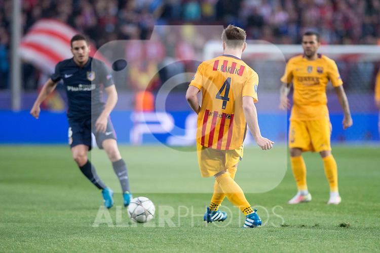 Atletico de Madrid's Koke and FC Barcelona Ivan Rakitic during Champions League 2015/2016 Quarter-Finals 2nd leg match. April 13, 2016. (ALTERPHOTOS/BorjaB.Hojas)