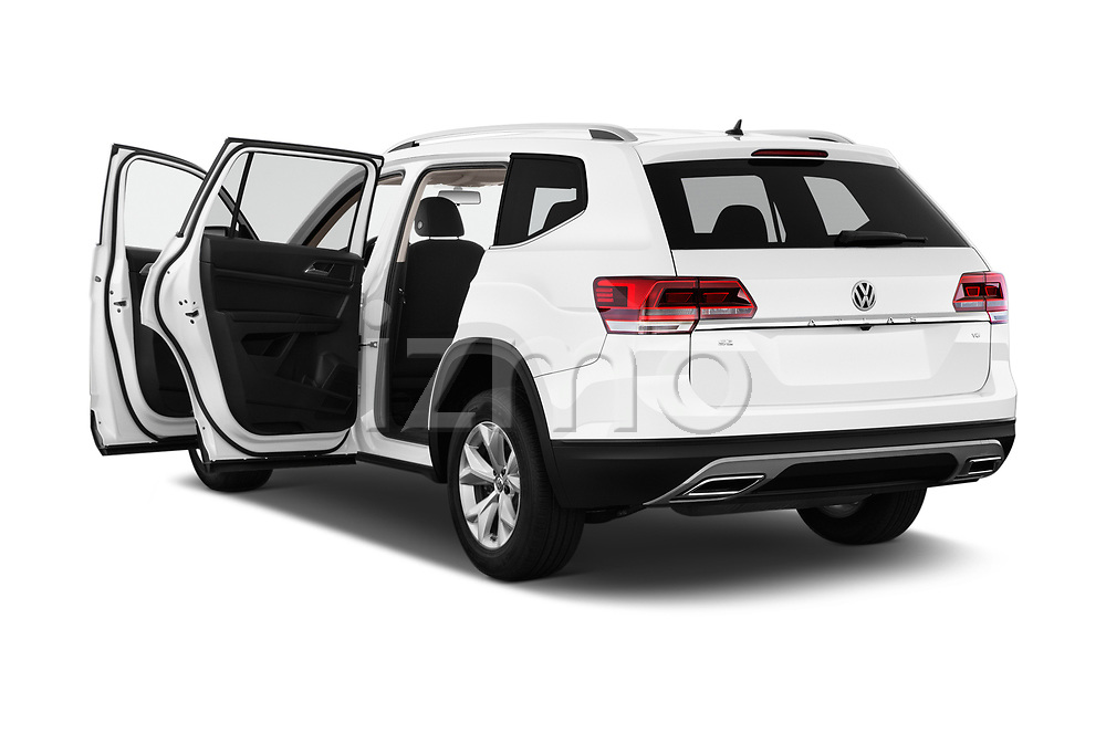 Car images close up view of a 2019 Volkswagen Atlas SE 5 Door SUV doors