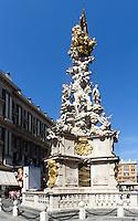 barocke Pestsäule von 1692  in Einkaufstraße Graben, Wien, Österreich, UNESCO-Weltkulturerbe<br /> Baroque plague column at shopping street Graben, Vienna, Austria, world heritage
