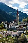 Italien, Suedtirol, St. Pankraz (San Pancrazio) im Ultental (Val d'Ultimo), das parallel zum Vinschgau verlaeuft und bei Lana im Meraner Becken beginnt | Italy, South Tyrol, Alto Adige, village San Pancrazio at Ulten Valley (Val d'Ultimo)
