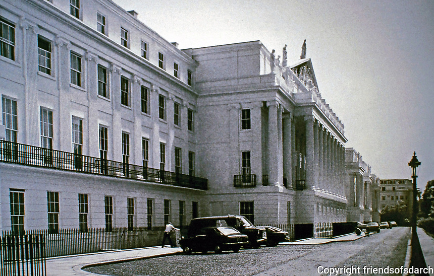 Cumberland Terrace, designed by John Nash, 1826. Regents Park, London.