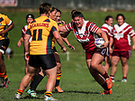 Aleasha Brider of Papakura looks to make a break.  Premier Women's Rugby League, Papakura Sisters v Manurewa Wahine, Prince Edward Park, Auckland, Sunday 13th August 2017. Photo: Simon Watts / www.phototek.nz