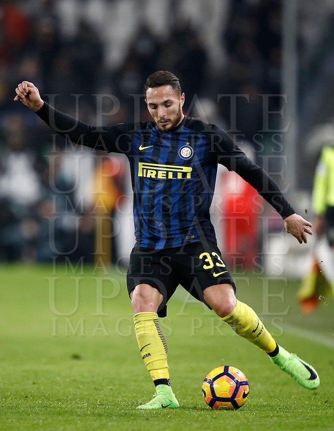 Calcio, Serie A: Torino, Juventus Stadium, 5 febbraio 2017.<br /> Inter Mila's Danilo D'ambrosio in action during the Italian Serie A football match between Juventus and Inter Milan at Turin's Juventus Stadium, on February 5, 2017.<br /> UPDATE IMAGES PRESS/Isabella Bonotto