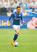 Leon GORETZKA, S04 8  <br /> FC SCHALKE 04 -  BORUSSIA DORTMUND 2-0<br /> Football 1. Bundesliga , Gelsenkirchen,15.04.2018, 30. match day,  2017/2018 1.Bundesliga, BVB, S04, <br />  *** Local Caption *** © pixathlon<br /> Contact: +49-40-22 63 02 60 , info@pixathlon.de