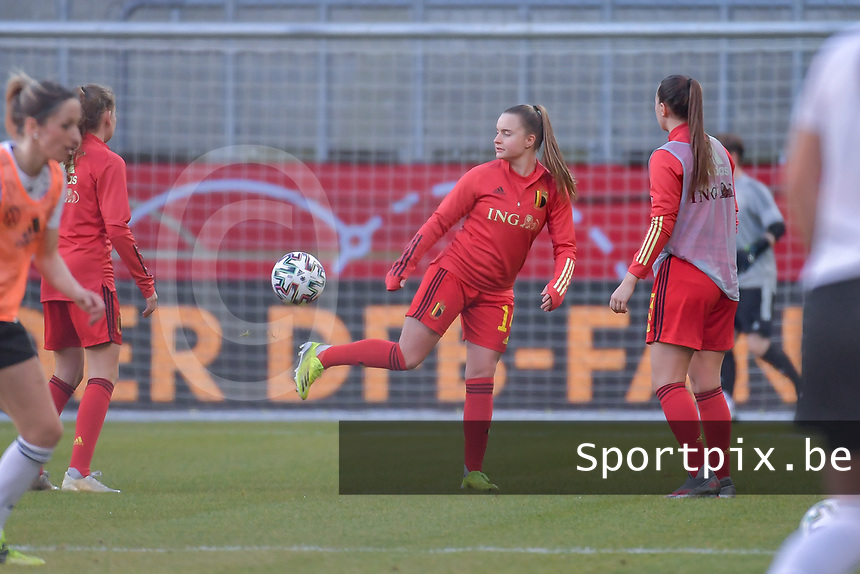 Belgian Davinia Vanmechelen (14) pictured during a friendly female soccer game between the national teams of Germany and  Belgium , called the Red Flames  in a pre - bid tournament called Three Nations One Goal with the national teams from Belgium , The Netherlands and Germany towards a bid for the hosting of the 2027 FIFA Women's World Cup , on Sunday 21 st of February 2021  in Aachen , Germany . PHOTO SPORTPIX.BE | SPP | STIJN AUDOOREN