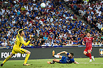Chelsea Defender Gary Cahill (C) try to defend a kick from Bayern Munich Midfielder James Rodríguez (R) during the International Champions Cup match between Chelsea FC and FC Bayern Munich at National Stadium on July 25, 2017 in Singapore. Photo by Marcio Rodrigo Machado / Power Sport Images