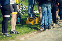 some people are long & then some are smart (or thirsty)<br /> <br /> #roadside fans<br /> <br /> 101th Ronde Van Vlaanderen 2017 (1.UWT)<br /> 1day race: Antwerp › Oudenaarde - BEL (260km)