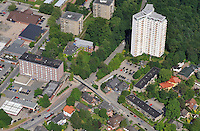 Bruecke Hamburger Strasse: EUROPA, DEUTSCHLAND, SCHLESWIG- HOLSTEIN, REINBEK, (GERMANY), 21.06.2010: Bruecke, Hamburger Strasse, Neubau,  Luftbild, Air, .. c o p y r i g h t : A U F W I N D - L U F T B I L D E R . de.G e r t r u d - B a e u m e r - S t i e g 1 0 2, 2 1 0 3 5 H a m b u r g , G e r m a n y P h o n e + 4 9 (0) 1 7 1 - 6 8 6 6 0 6 9 E m a i l H w e i 1 @ a o l . c o m w w w . a u f w i n d - l u f t b i l d e r . d e.K o n t o : P o s t b a n k H a m b u r g .B l z : 2 0 0 1 0 0 2 0  K o n t o : 5 8 3 6 5 7 2 0 9.V e r o e f f e n t l i c h u n g n u r m i t H o n o r a r n a c h M F M, N a m e n s n e n n u n g u n d B e l e g e x e m p l a r !.