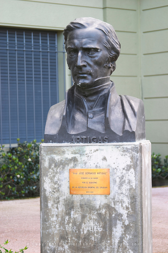 Statue bust in front of a military building close to Carlos Morales Street depicting Artigas, General Jose Gervasio Artigas, 1764-1850, called the father of Uruguayan independence. Montevideo, Uruguay, South America