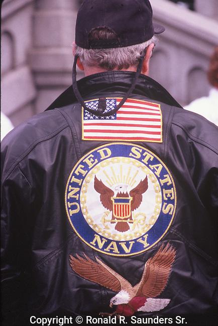 NAVY MAN SHOWS PRIDE AT PRO IRAQ WAR RALLY