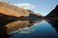Schottland, Bezirk Agyll and Bute, <br /> schottische Highlands, Wander und Skigebiet Glen Coe, Blick ins Tal von Westen, Europa, Grossbritannien, 16.02.2010; QF; <br /> (Bildtechnik: sRGB, <br /> 72.00 MByte vorhanden)<br /> <br /> Engl.: Europe, Great Britain, Scotland, Argyll and Bute, highlands, Glen Coe, valley, mountains, sky, landscape, February 2010