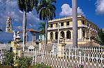Cuba, Sancti Spiritus, Trinidad: Colonial architecture in Plaza Mayor | Kuba, Sancti Spiritus, Trinidad: kolonialer Baustil am Plaza Mayor