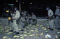 FILE -  Des policiers de la SQ se font lancer des epis de mais durant La crise d'Oka en 1990<br /> <br /> PHOTO  :  Agence Quebec Presse