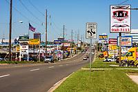 Oklahoma City, Oklahoma, USA.  North May Avenue, looking north from NW 20th Street.