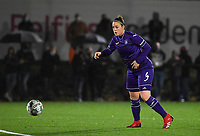 Anderlecht defender Britt Vanhamel (4) pictured during a female soccer game between Sporting Charleroi and RSC Anderlecht on the third matchday of the 2020 - 2021 season of Belgian Scooore Womens Super League , friday 2 nd of October 2020  in Marcinelle , Belgium . PHOTO SPORTPIX.BE | SPP | DAVID CATRY