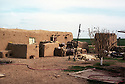 Syria 2000 <br /> In Al-Jazira province, the Kurdish village of Sorka and a mud house   <br /> <br /> Syrie 2000 <br /> Dans le Djezireh, une maison en terre du village kurde de Sorka