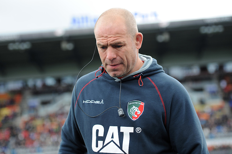 Richard Cockerill, Leicester Tigers Director of Rugby looks dejected during the Aviva Premiership semi final match between Saracens and Leicester Tigers at Allianz Park on Saturday 21st May 2016 (Photo: Rob Munro/Stewart Communications)
