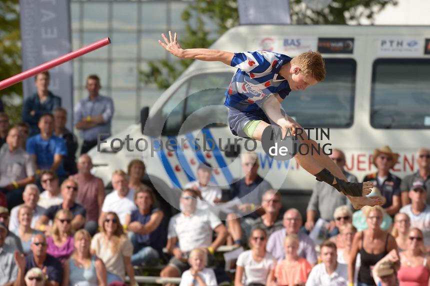 FIERLJEPPEN: BURGUM: 31-08-2018, NK Fierljeppen, Winnaar Freark Kramer (20.44 meter) Fries Juniorenrekord, ©foto Martin de Jong