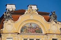 Europe/République Tchèque/Prague: Détail façade d'une maison Place de l'Hôtel de Ville