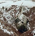 Iraq 1963 .An Iraqi helicoptershot down by the peshmergas.Irak 1963.Un helicoptere irakien abattu par les peshmergas