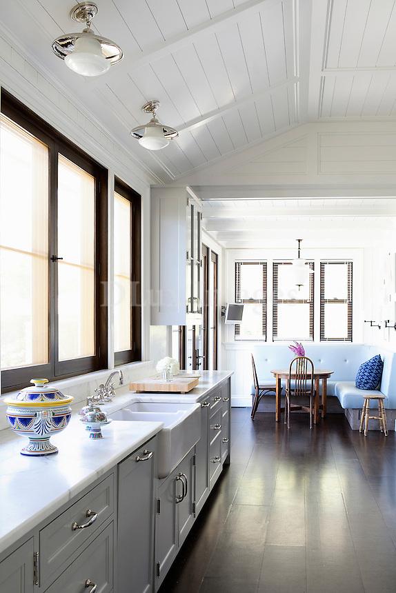 Marble worktop in the kitchen